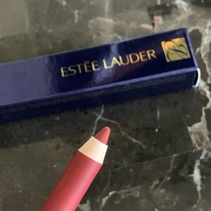 Estée Lauder: Double Wear Stay-in-Place Lip Pencil